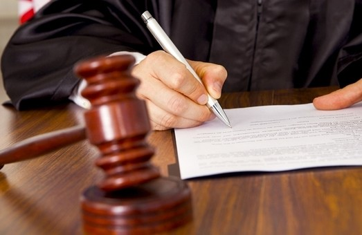 На Днепропетровщине горсовет через суд заставляют помочь школе