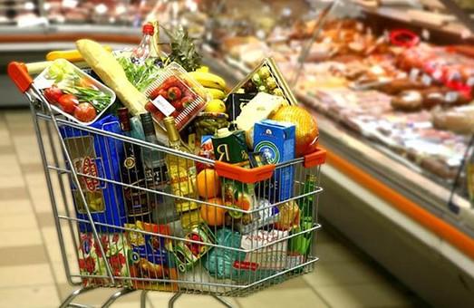 Гречка, сахар и свинина дорожают, яйца и молоко дешевеют: обзор цен в Днепре