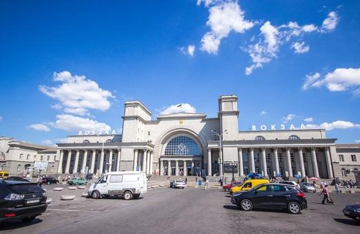 На Троицу и День Конституции из Киева в Днепр пустят дополнительный поезд