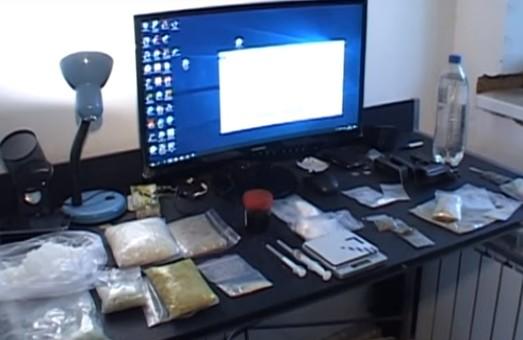 В Днепропетровской области СБУ блокировала масштабный сбыт наркотиков и психотропных веществ (ВИДЕО)