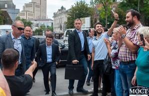 Владимир Зеленский прогулялся по Екатеринославскому бульвару (ФОТО, ВИДЕО)