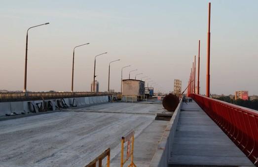 Филатов: Центральный мост в Днепре - единственный в Украине, который ремонтируют за счет громады