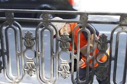 На аллее проспекта Дмитрия Яворницкого старую чугунную ограду заменят на копию исторической (ФОТО)