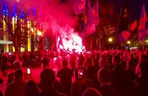 «Нет капитуляции»: В Днепре протестовали против подписания «формулы Штайнмайера»