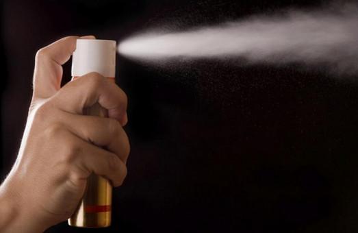 В Днепре женщина брызнула в лица детям из газового баллончика