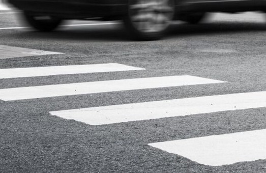 В Днепре иномарка сбила ребенка на пешеходном переходе